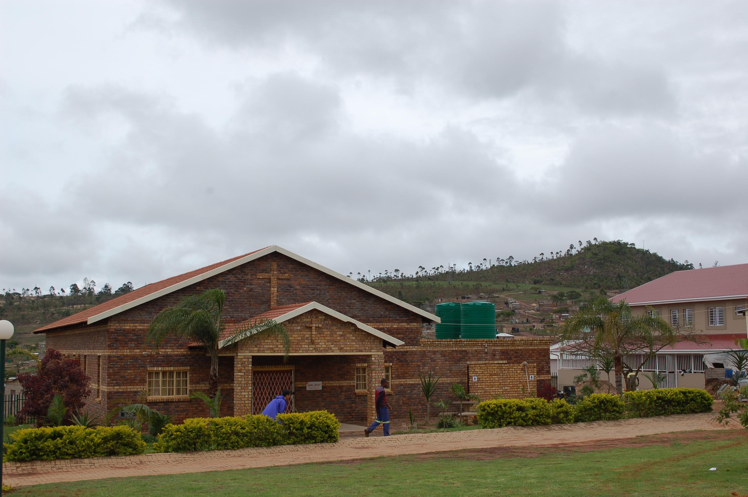 11. 교회건물과 도서관.JPG
